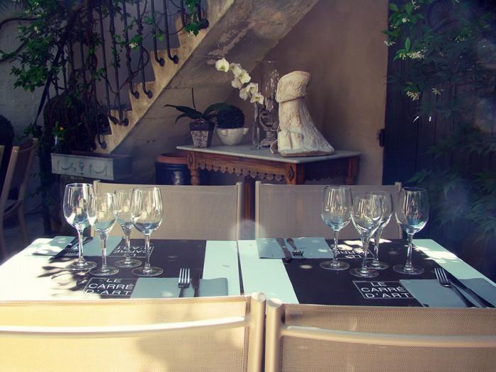Terrasse du restaurant à Nîmes Le Carré d'Art