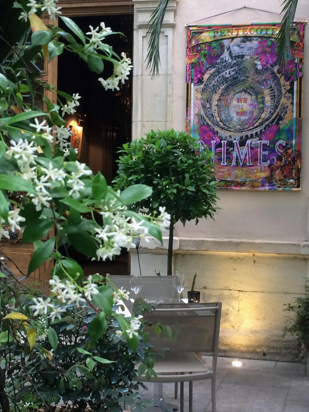 Un air de féria au restaurant le Carré d'Art à Nîmes