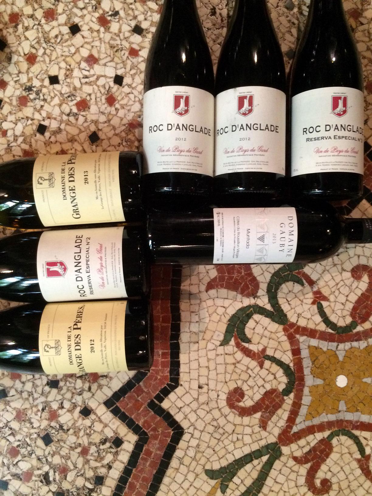 Quelques bouteilles de vins du restaurant le Carré d'Art à Nîmes
